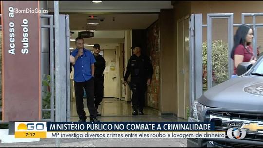 Operação contra agiotagem, lavagem de dinheiro e roubo de cargas cumpre 39 mandados de prisão em Goiás