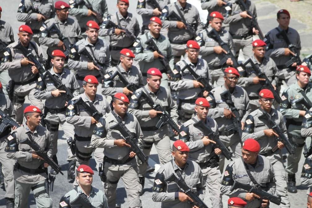 Policiais da PM pernambucana durante desfile de 7 de Setembro, na Zona Sul do Recife (Foto: Marlon Costa/Pernambuco Press)