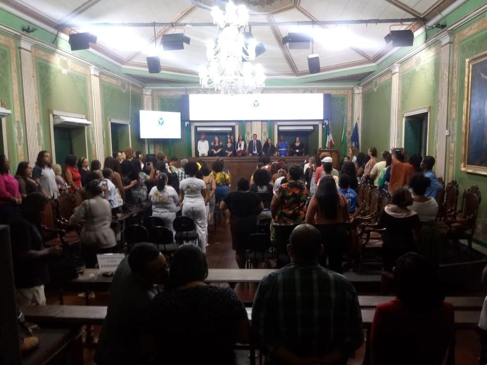 Em sessão na Câmara de Salvador, movimento 'Vai Ter Gorda' homenageia 20 pessoas que lutam contra a gordofobia — Foto: Thiago Conceição/Divulgação