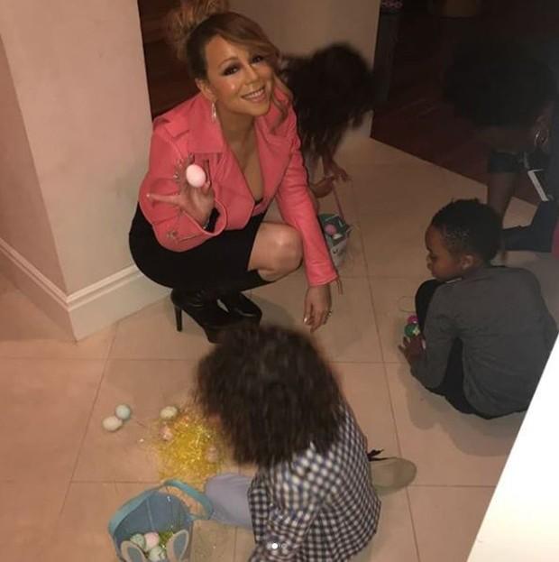 Mariah Carey na Páscoa com os filhos, Monroe e Moroccan (Foto: Reprodução/Instagram)