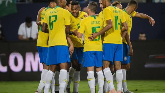 Alex Sandro gol Arábia Saudita x Brasil