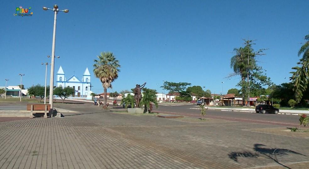 Praça em São João do Piauí — Foto: Reprodução/TV Clube