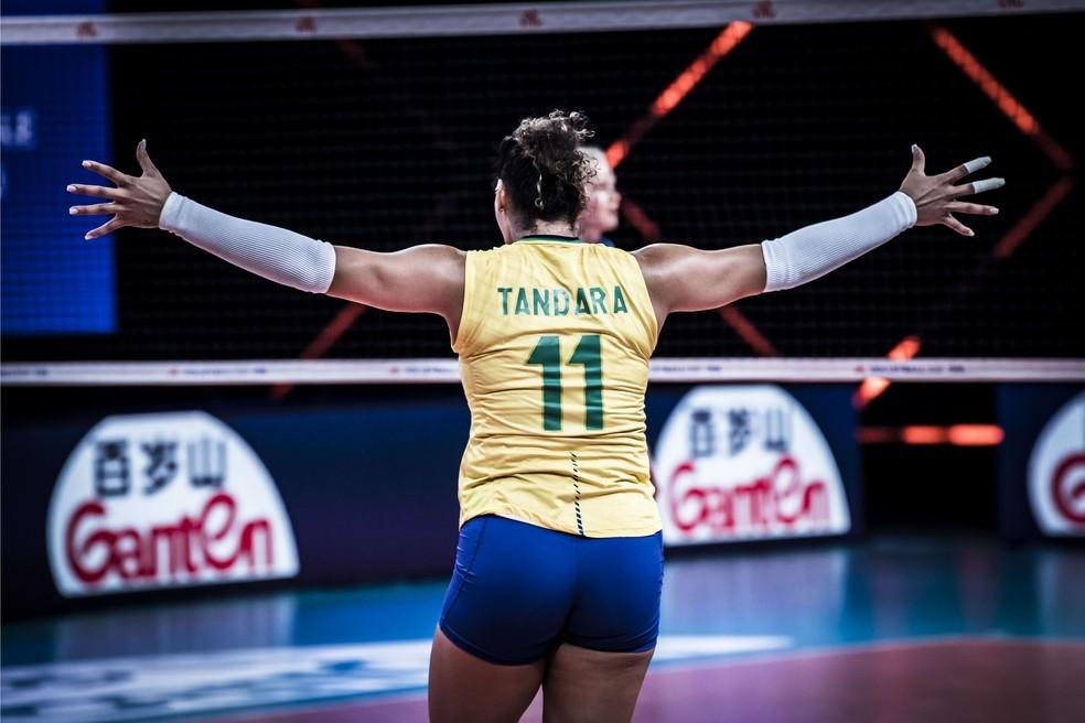 Tandara foi um destaques do Brasil na vitória sobre a Rússia na Liga das Nações 2021 — Foto: FIVB