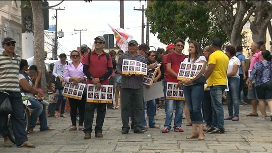 Manifestações são realizadas contra nova lei trabalhista e aulas são suspensas na PB