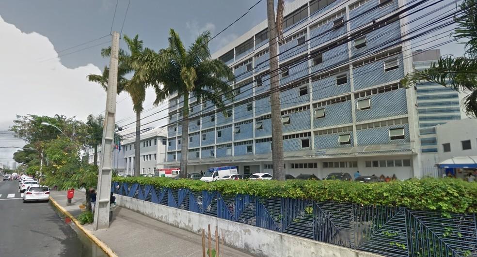 Homem de 45 anos estava internado no Imip, no bairro dos Coelhos, no Recife (Foto: Reprodução/Google Street View)