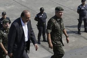 O governador Luiz Fernando Pezão, o interventor federal na área de Segurança Pública do Rio, general Braga Netto e o secretário estadual de segurança, Richard Nunes Fernandez
