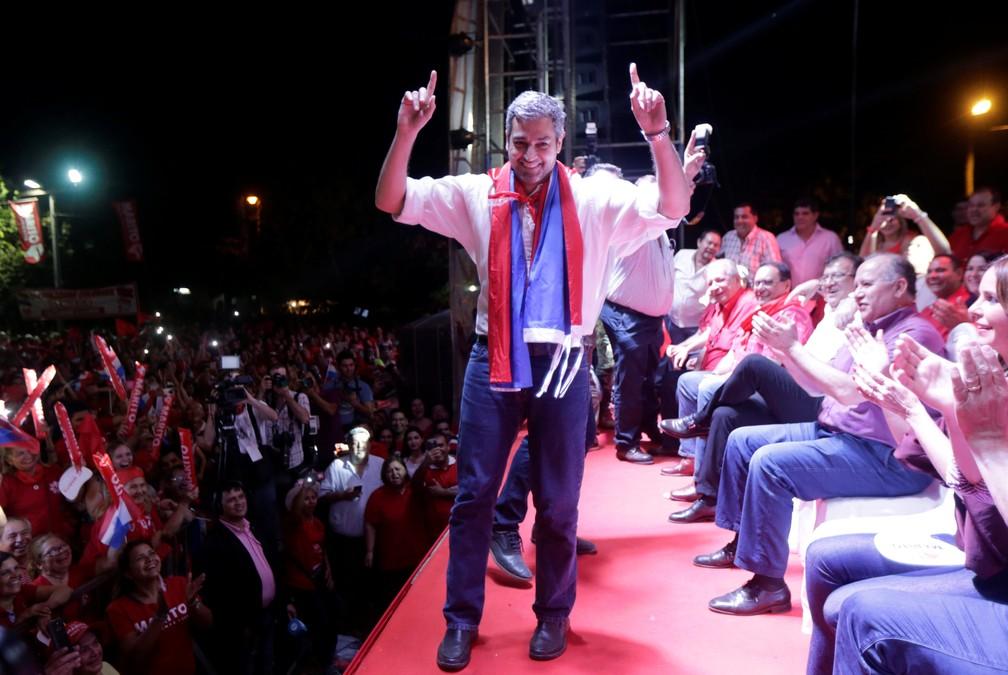 Mario Abdo Benítez em campanha (Foto: Mario Valdez/Reuters)