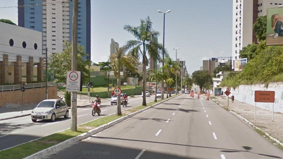 Ciclofaixa da Avenida Epitácio Pessoa, em João Pessoa — Foto: Reprodução/Google Street View