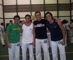 O capoeirista Beto Simas e os filhos e os filhos Felipe (esquerda) e Rodrigo (direita) e o enteado Bruno Gissoni | Divulgação