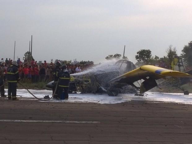 Avião agrícola explode em Balsas após pane no sistema  (Foto: Divulgação/Polícia Rodoviária Federal)