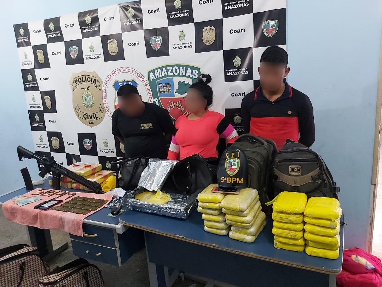 Trio é preso com fuzil, drogas e munições em lancha no interior do AM - Notícias - Plantão Diário