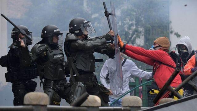 Protestos na Colômbia: o que o cenário sem precedentes indica sobre o futuro do país