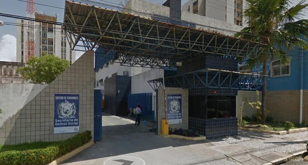 Secretaria de Defesa Social fica no bairro de Santo Amaro, no Recife — Foto: Reprodução/Google street view