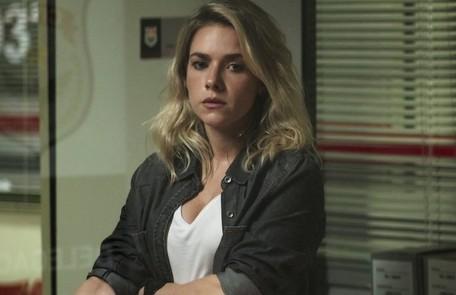 Na quarta (20), Camilo (Lee Taylor) será desmascarado por Yohana (Monique Alfradique) Reprodução