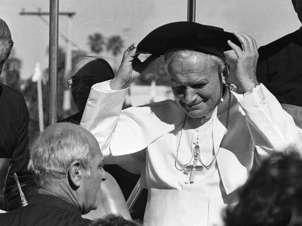 Papa João Paulo II visita a cidade de Porto Alegre em 1980 (Foto: Alfredo Rizutti/Estadão Conteúdo)