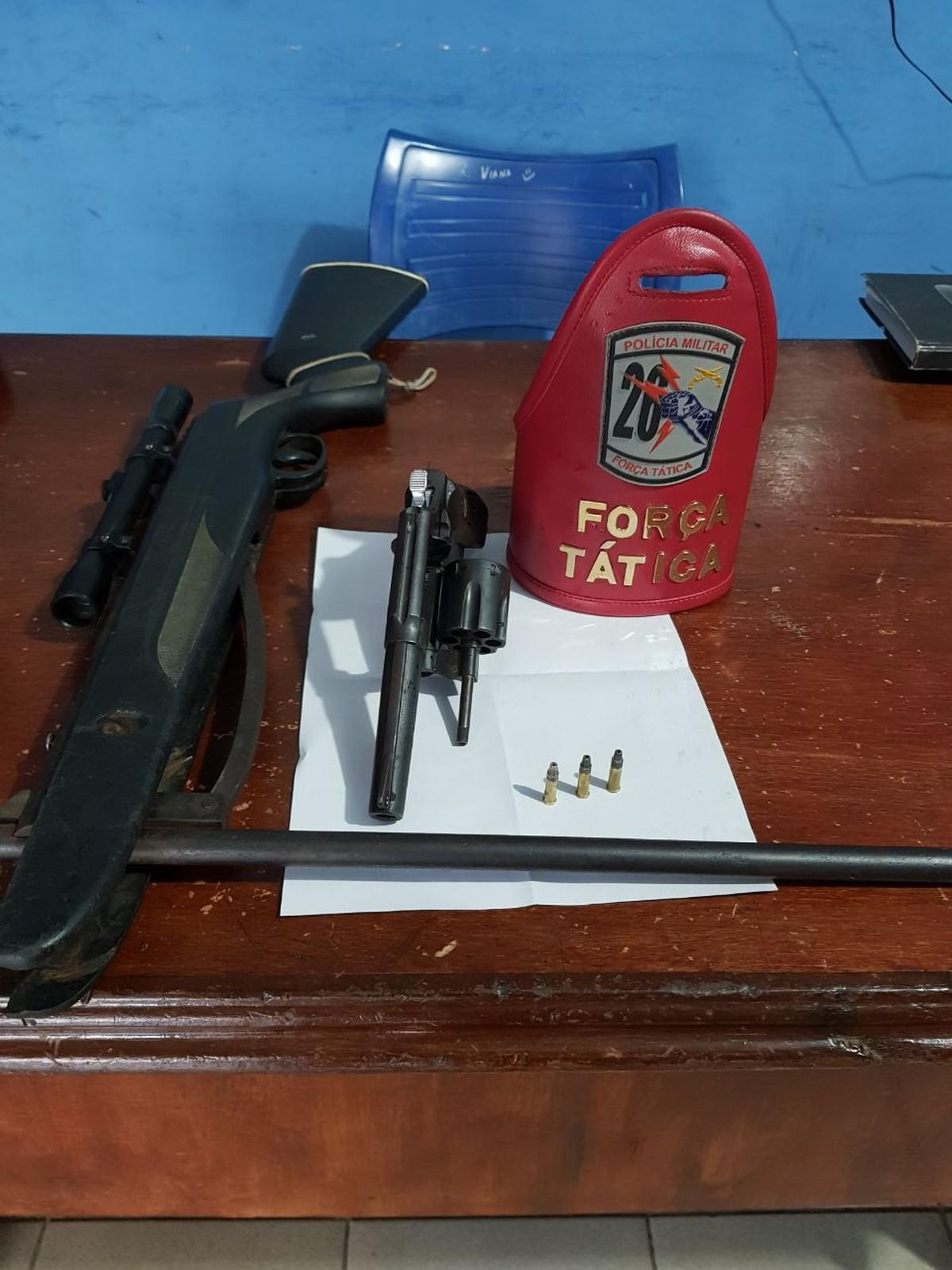 Suspeito é preso com revólver e espingarda improvisada após fugir da PM em Roraima
