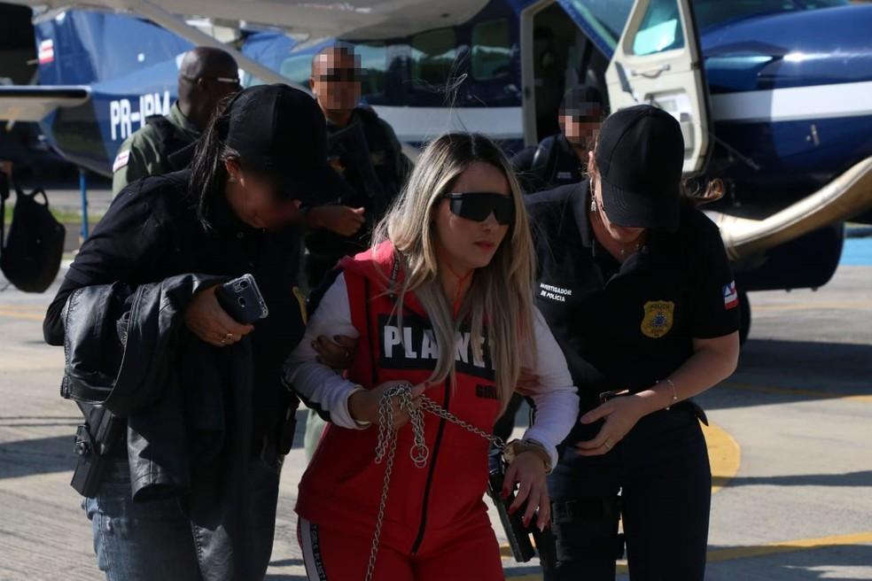 Jasiane chegou na capital baiana sob forte esquema de segurança  — Foto: Alberto Maraux/ SSP