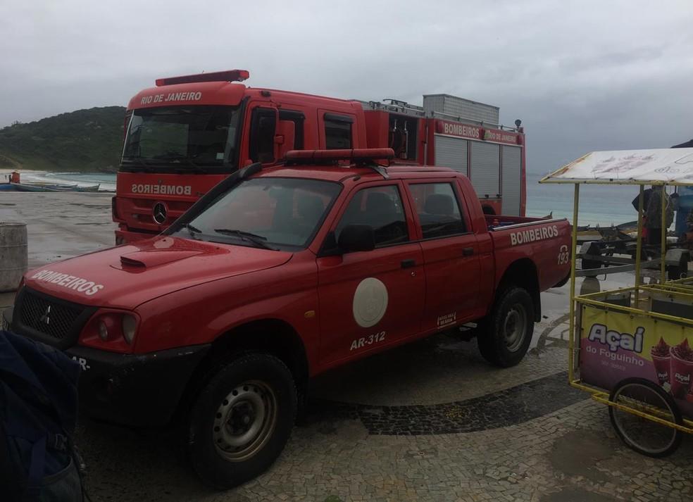 Equipes retornam com as buscas na manhã desta terça-feira (20) em Arraial do Cabo — Foto: Vinícius Santos | arquivo pessoal