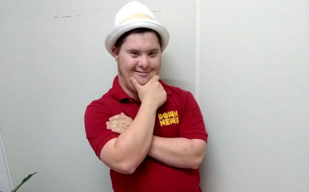Daniel Miranda tem síndrome de Down e criou o canal no Youtube em fevereiro de 2017  (Foto: Jade Castilho/G1)