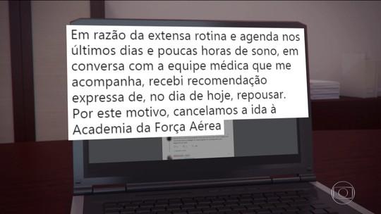 Jair Bolsonaro cancela compromisso por recomendação médica