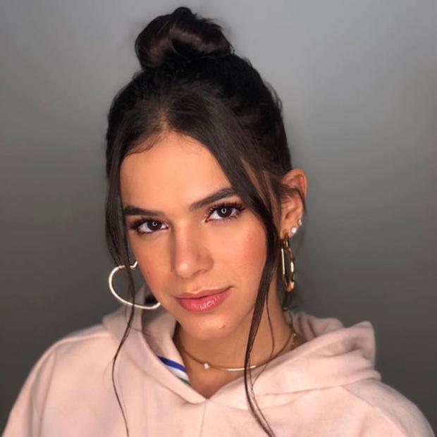Bruna Marquezine - Brincos de Argola