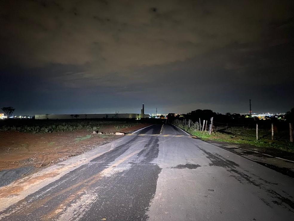 Estrada onde guarda municipal foi baleado em Sumaré — Foto: Daniel Mafra/EPTV