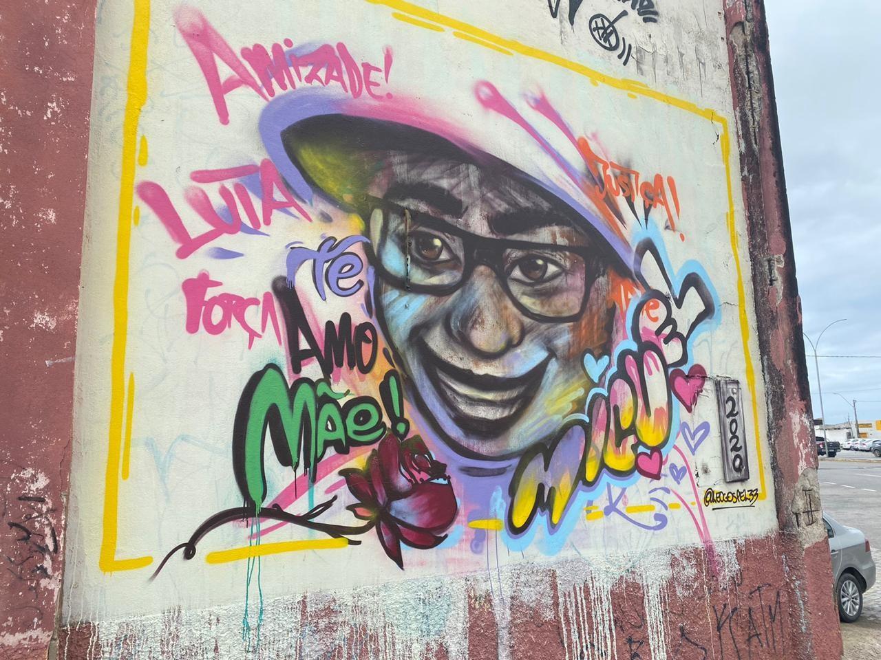 Caso Miguel: grafite homenageia menino que caiu de prédio quando estava sob a guarda da patroa da mãe