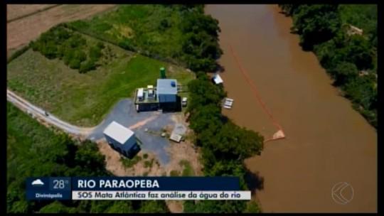 Técnico da Fundação SOS Mata Atlântica avaliam a situação do Rio Paraopeba