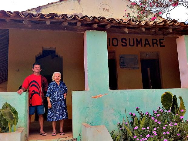 Pedro Antônio diz morar na casa onde funcionou o primeiro cartório de Viçosa (Foto: Giselle Dutra/G1)