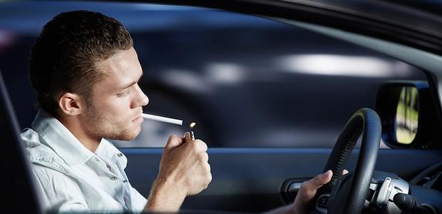 Carros de fumantes têm níveis de poluição muito acima dos aceitáveis pela OMS (Foto: Shutterstock)