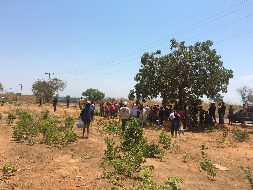 Famílias sem teto invadem lotes em quadra no sul de Palmas; cinco foram presos - Notícias - Plantão Diário