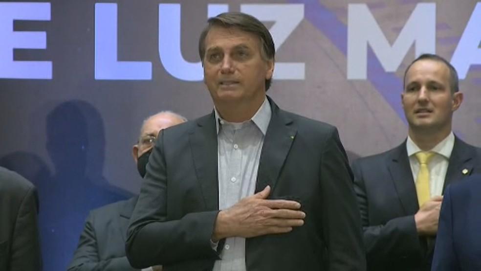 Presidente Jair Bolsonaro durante visita ao Sirius, no CNPEM, em Campinas — Foto: Ricardo Custódio / EPTV