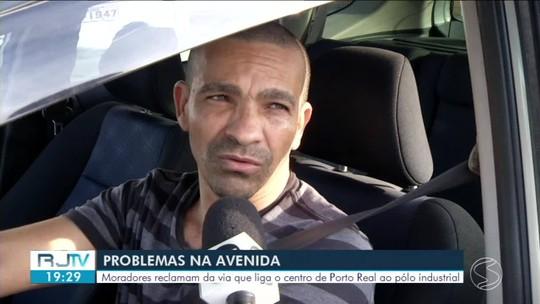 Má sinalização em avenida de Porto Real coloca em risco motoristas e pedestres