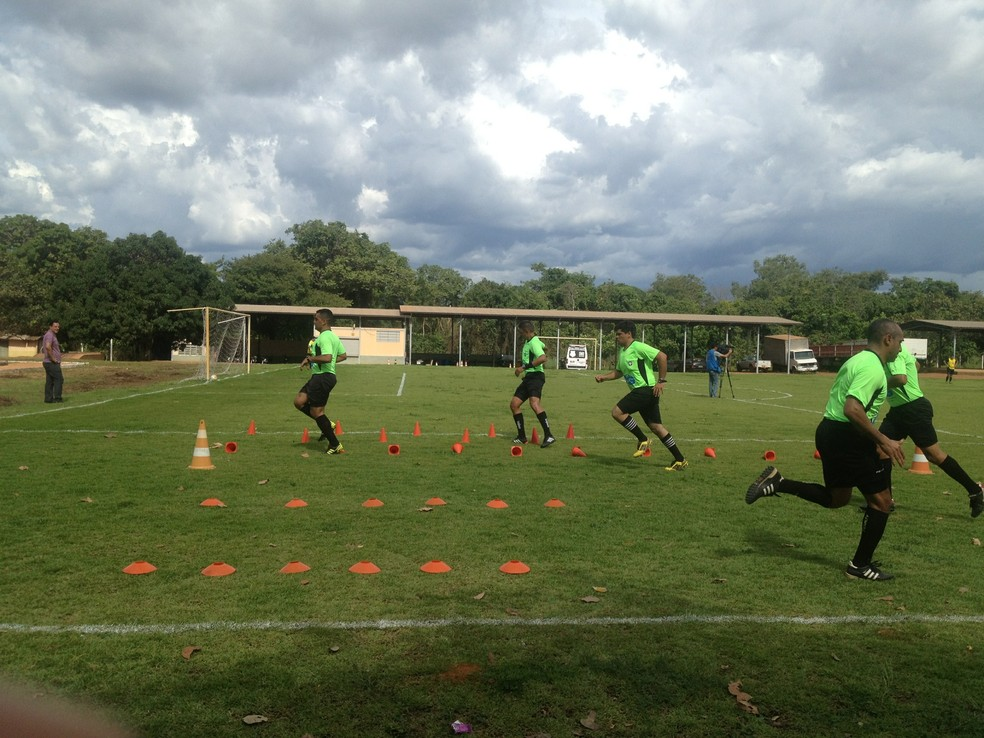 Árbitros fazem testes para apitar jogos nacionais — Foto: Cyntia Miranda/GloboEsporte.com