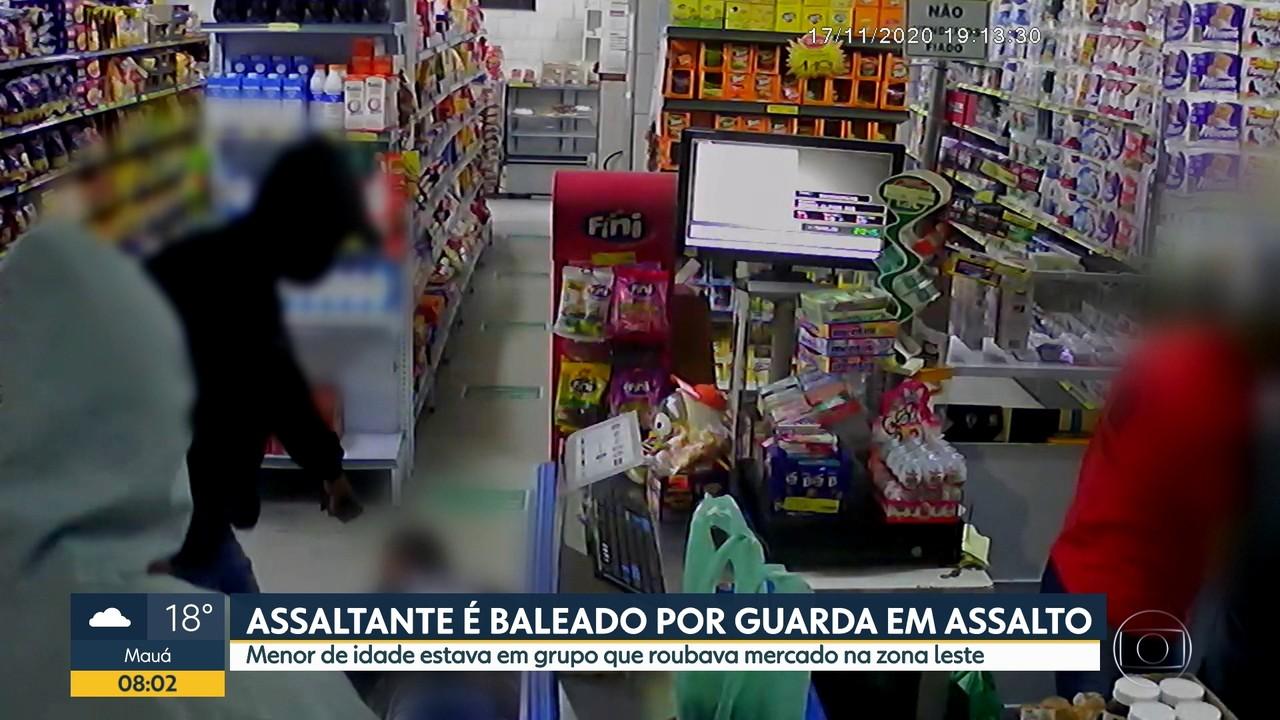 Homem é baleado após tentar assaltar GCM dentro de mercado Zona Leste de SP