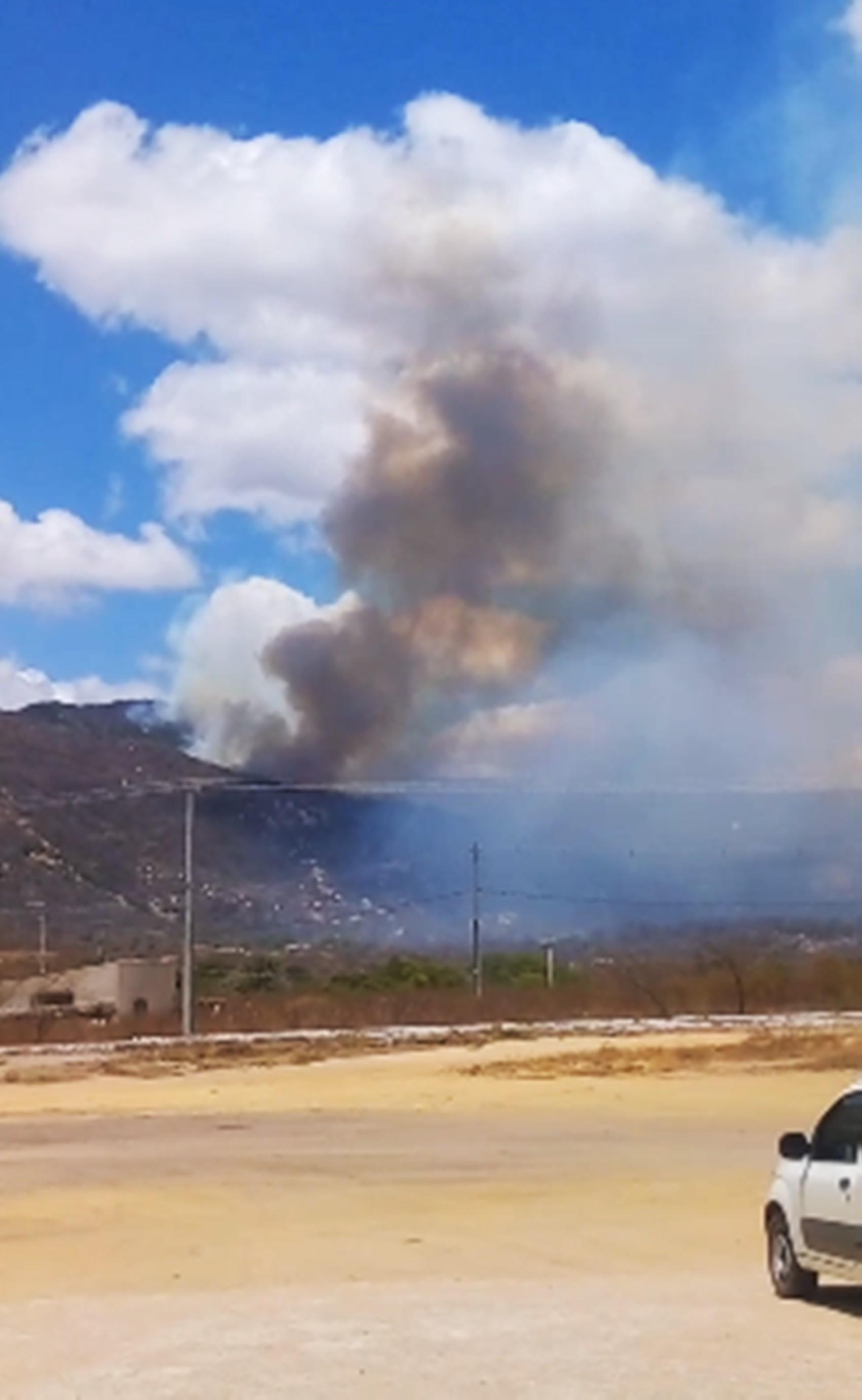 Corpo de Bombeiros confirma risco de incêndio florestal atingir Santuário do Lima, em Patu, RN - Notícias - Plantão Diário