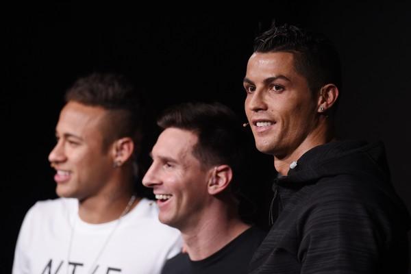 Cristiano Ronaldo junto com o brasileiro Neymar e o argentino Lionel Messi (Foto: Getty Images)