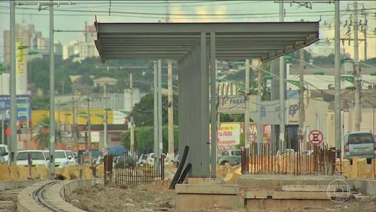 Três anos após a Copa, obra de VLT ainda não está pronta em Cuiabá (MT)