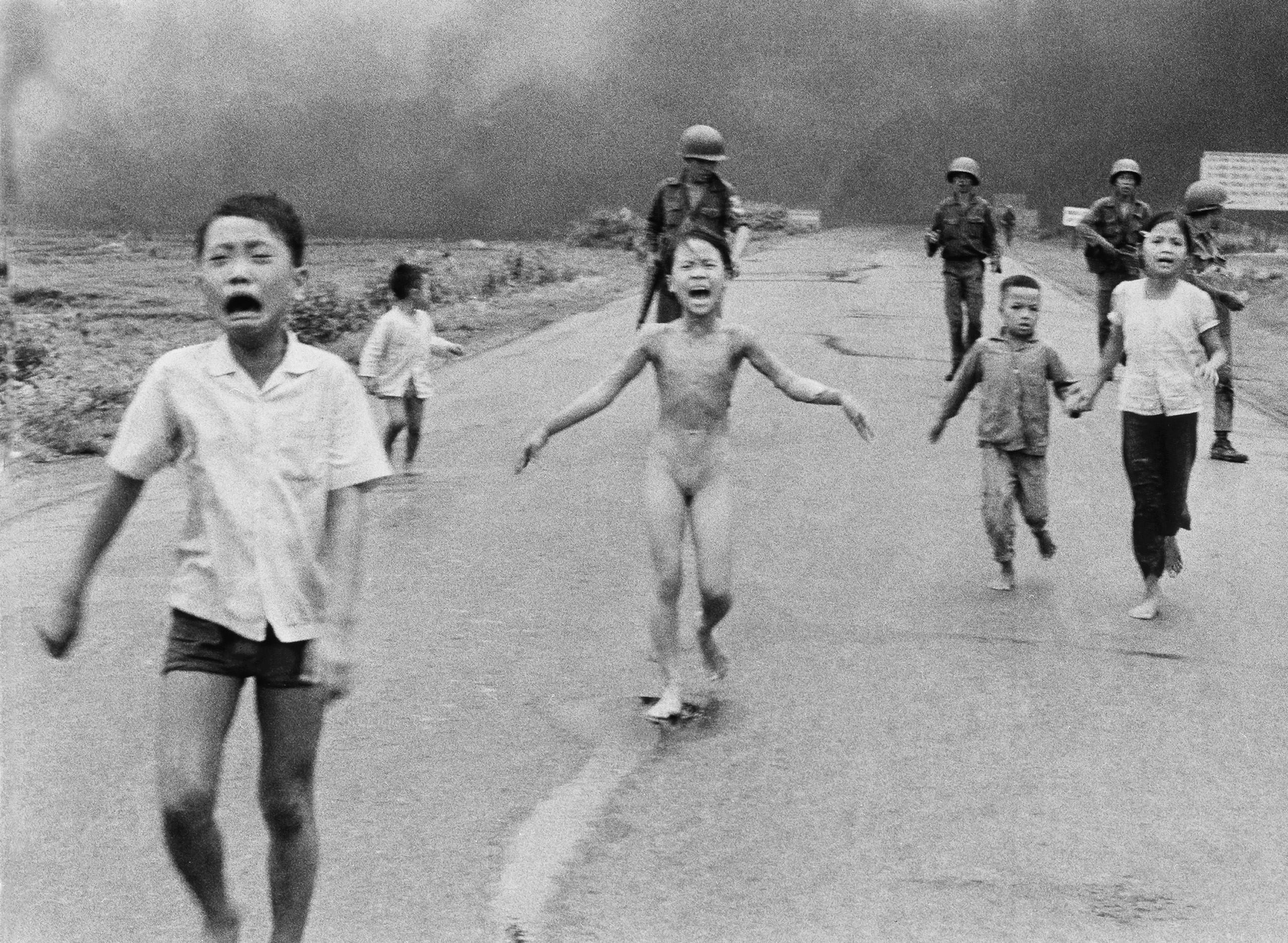 Foto clássica da Guerra do Vietnã foi censurada. (Foto:  Huynh Cong Ut)