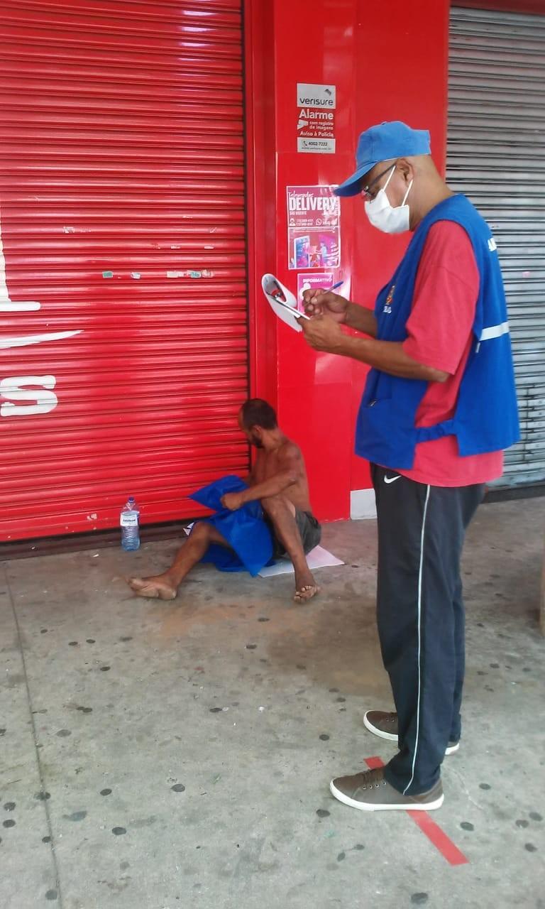 São Vicente, SP, realiza força-tarefa para auxiliar pessoas em situação de rua