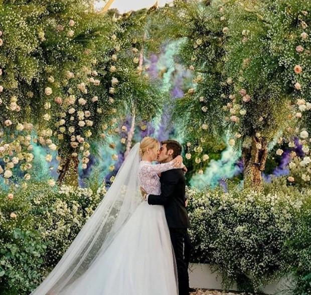 Casamento Chiara Ferragni e Fedez: Explosão de fogos coloridos após os noivos dizerem Sim! (Foto: Instagram/Reprodução)