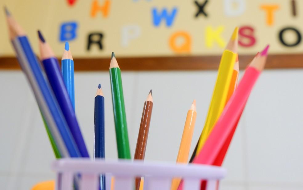 São ofertadas vagas para professores de diversas áreas — Foto: Allan Phablo