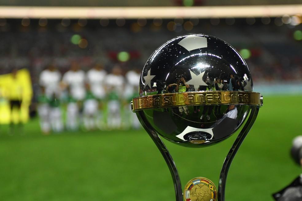 Quatro clubes brasileiros estão na disputa pela taça da Sul-Americana — Foto: Masashi Hara/ Getty Images