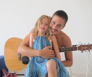 Ivan Mendes e a filha Maria Clara   Arquivo pessoal