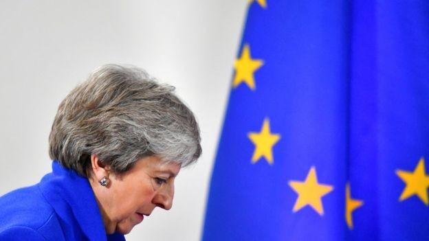 Diante da renúncia de Leadsom, a pressão para que May deixe o cargo aumentou (Foto: REUTERS/DYLAN MARTINEZ/FILE PHOTO via BBC)