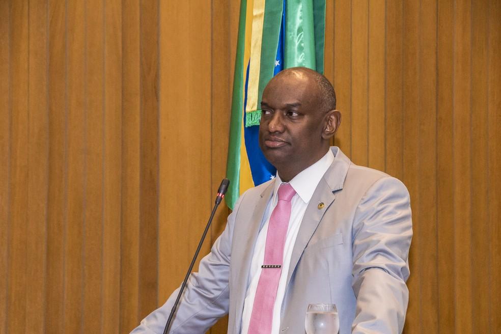 Deputado Cabo Campos realiza pronunciamento na manhã desta quarta-feira (7). (Foto: Divulgação/Assembleia Legislativa do Maranhão)