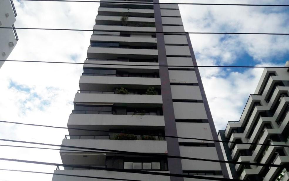 Prédio onde Lúcio Vieira Lima mora fica ao lado do edifício do irmão, Geddel Vieira Lima — Foto: Vanderson Nascimento/TV Bahia