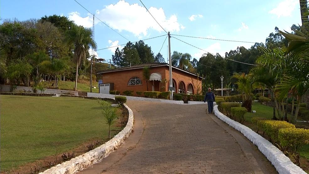 Clínica em Jarinu está na mira da Polícia Civil e do Ministério Público (Foto: Reprodução/TV TEM)