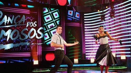 Marcelinho faz estrela e encarna roqueiro ao som de Elvis Presley no 'Dança dos Famosos'