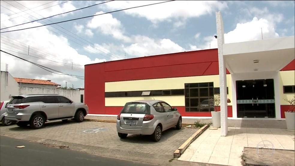 Prédio da antiga Clínica Eldorado foi alugado em ser usado por vários meses (Foto: Reprodução / TV Mirante)